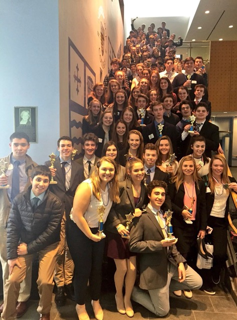 DECA+members+at+the+2017+District+competition.