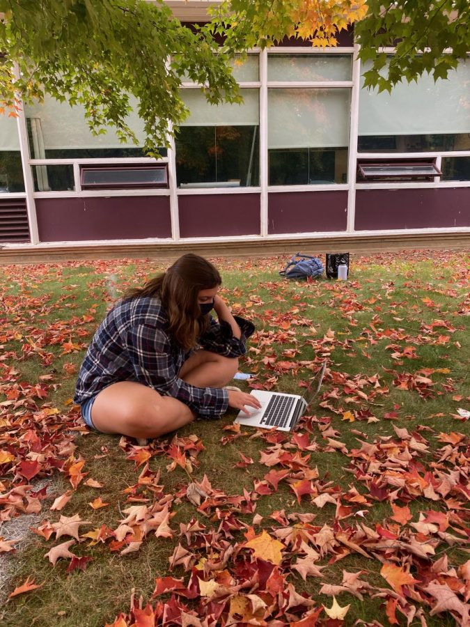 classes outside during the corona virus